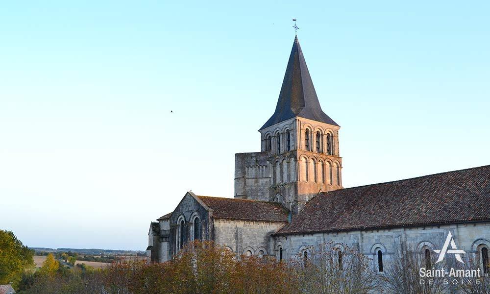 Saint-Amant-de-Boixe-le-clocher