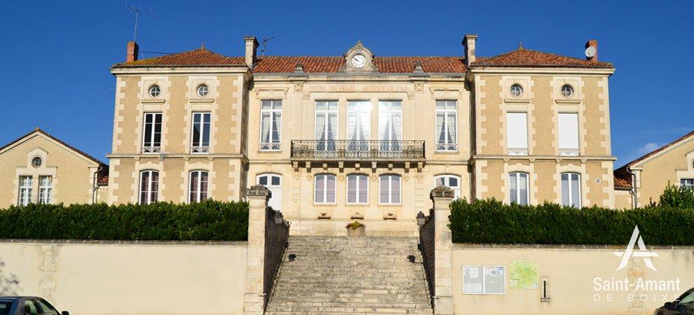 Saint-Amant-de-Boixe-mairie