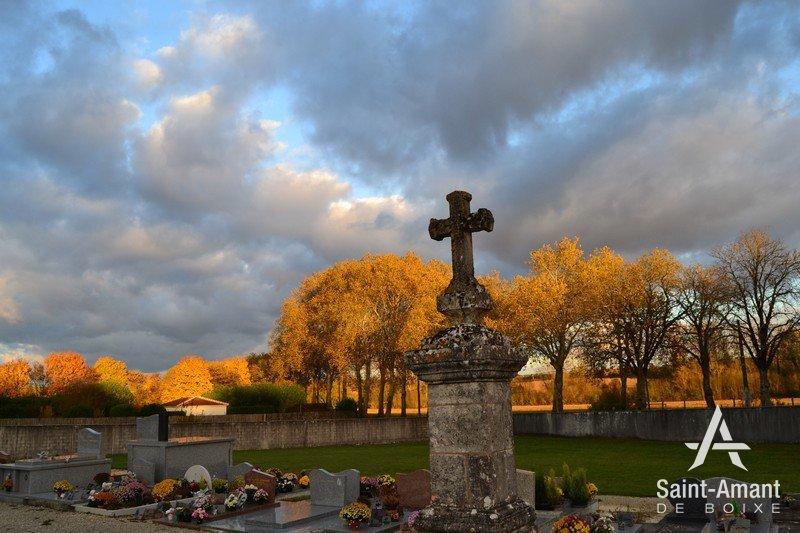 MONUMENT AUX MORTS1